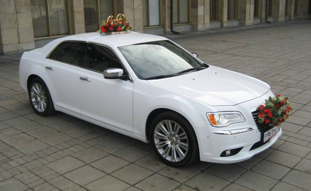 Заказ аренда Chrysler 300 C